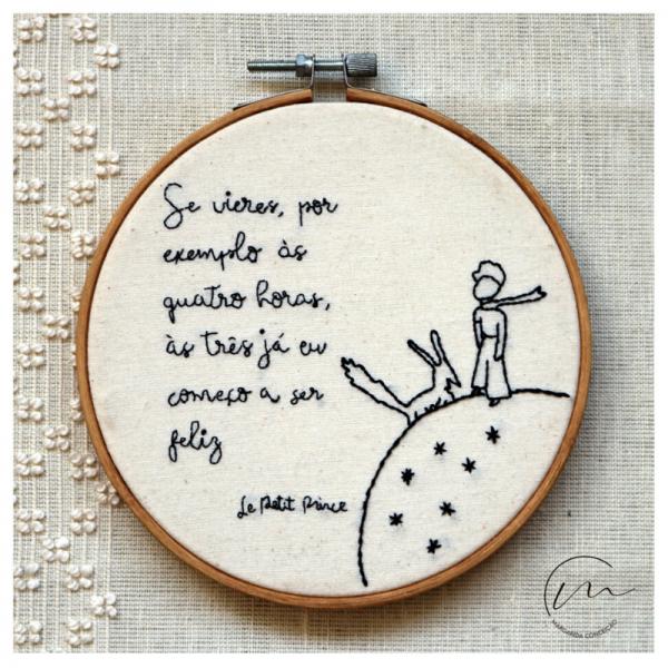 """Mostrar o bordado em bastidor """"Le Petit Prince"""""""