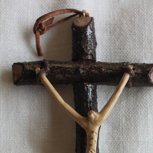 Cristo na Cruz Artesanal-José Peliteiro-Feito com Alma (10)